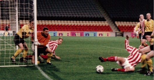 Sectional League Cup Final 2nd October 2001 Larkhall Thistle v Bellshill Athletic 4