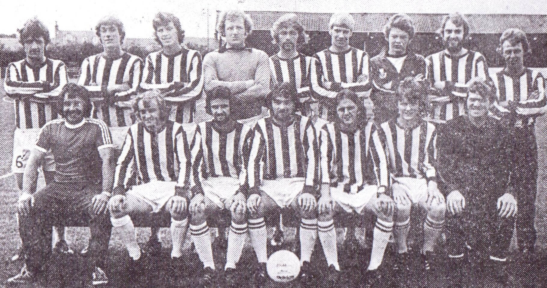 Larkhall Thistle team photograph 7