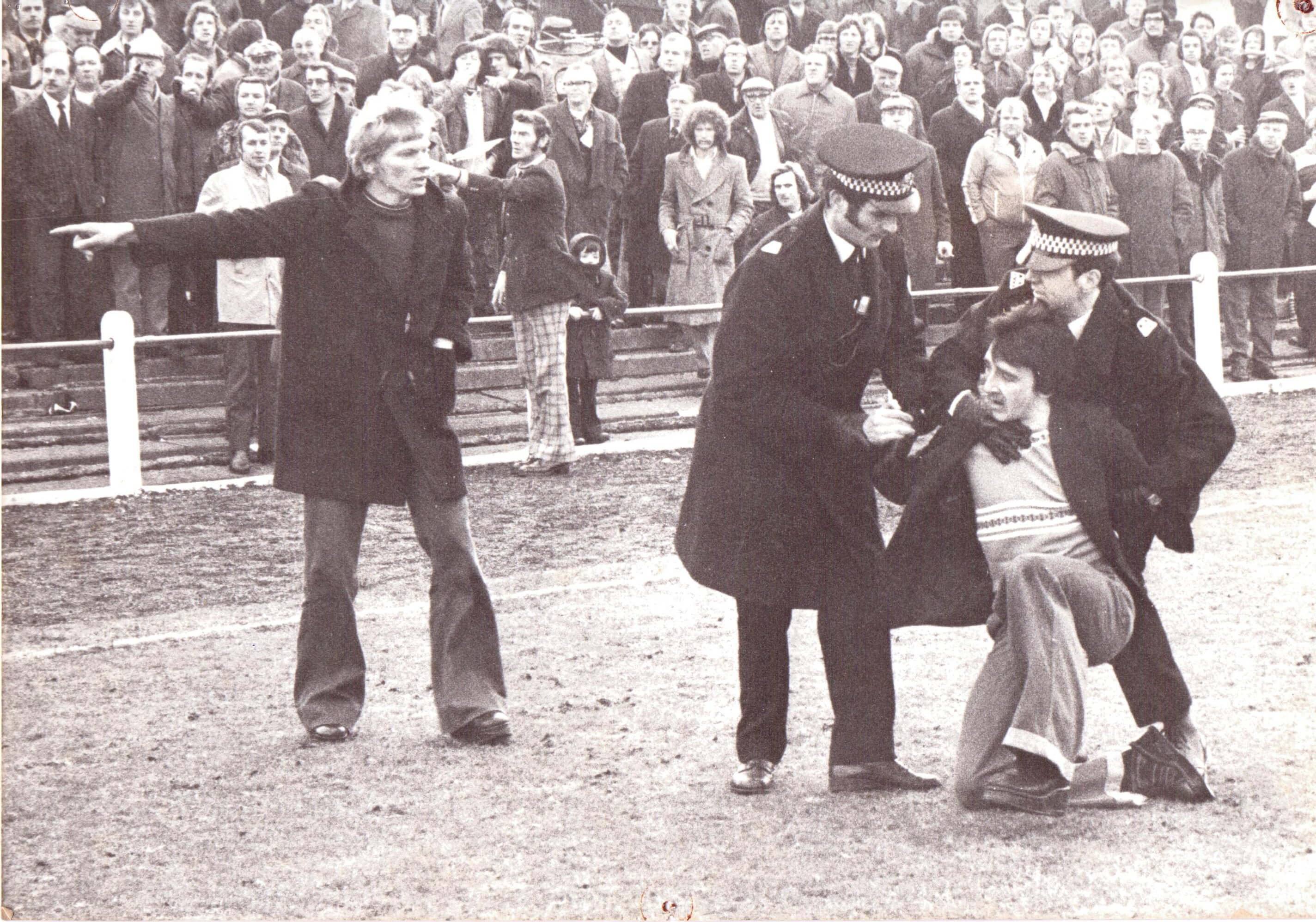 Crowd trouble at Kirkintilloch