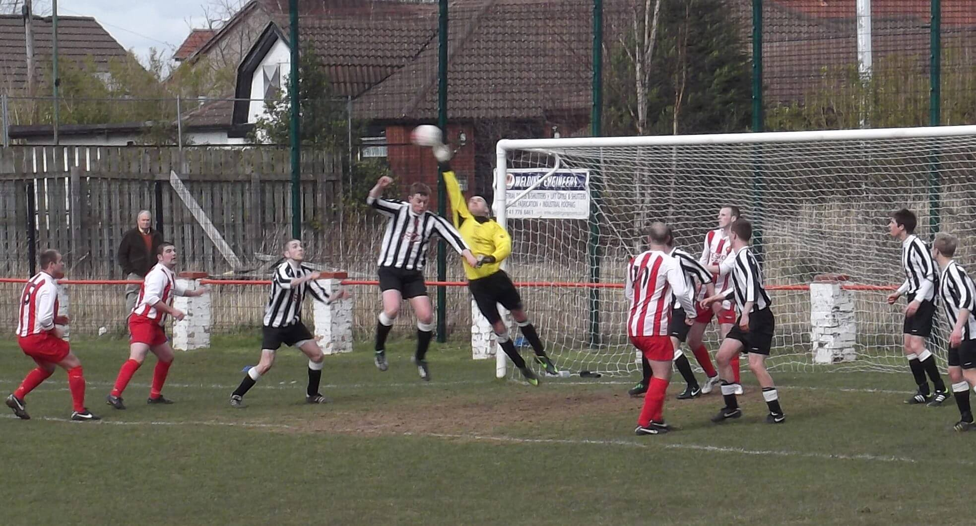 Dunipace keeper McGinty scrambles clear