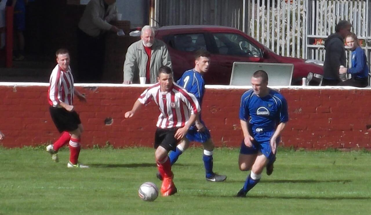 Thistle's outstanding player Scott McLachlan in second half action
