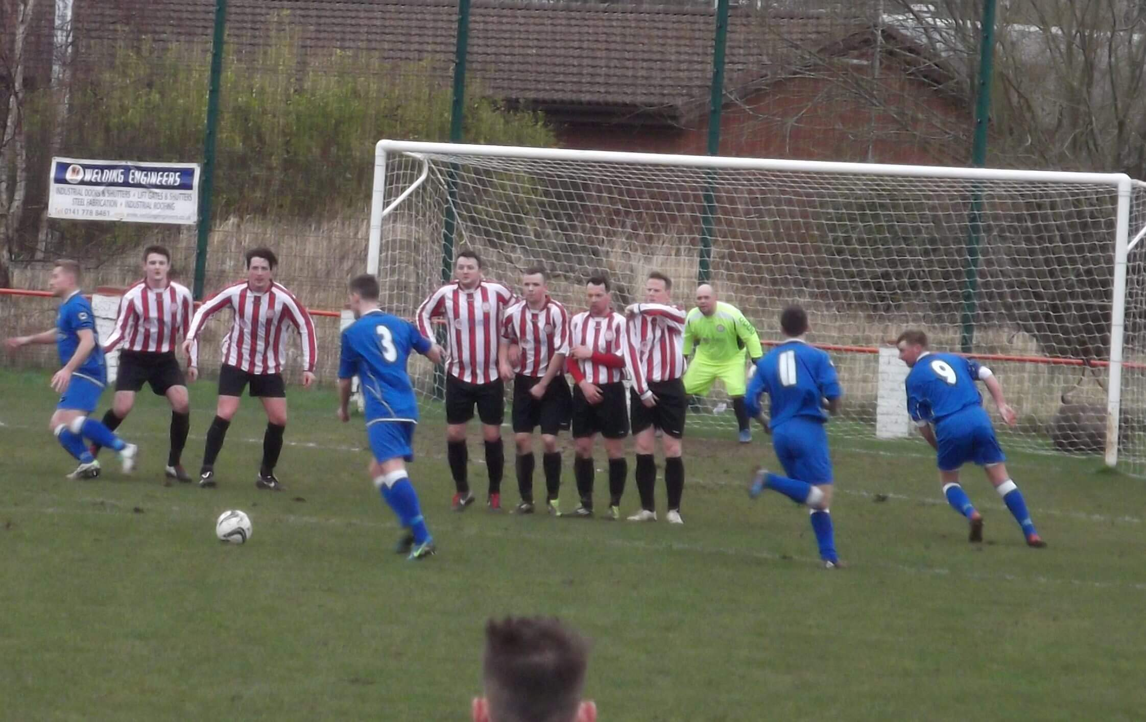 McKee lines up a free kick for Cambuslang