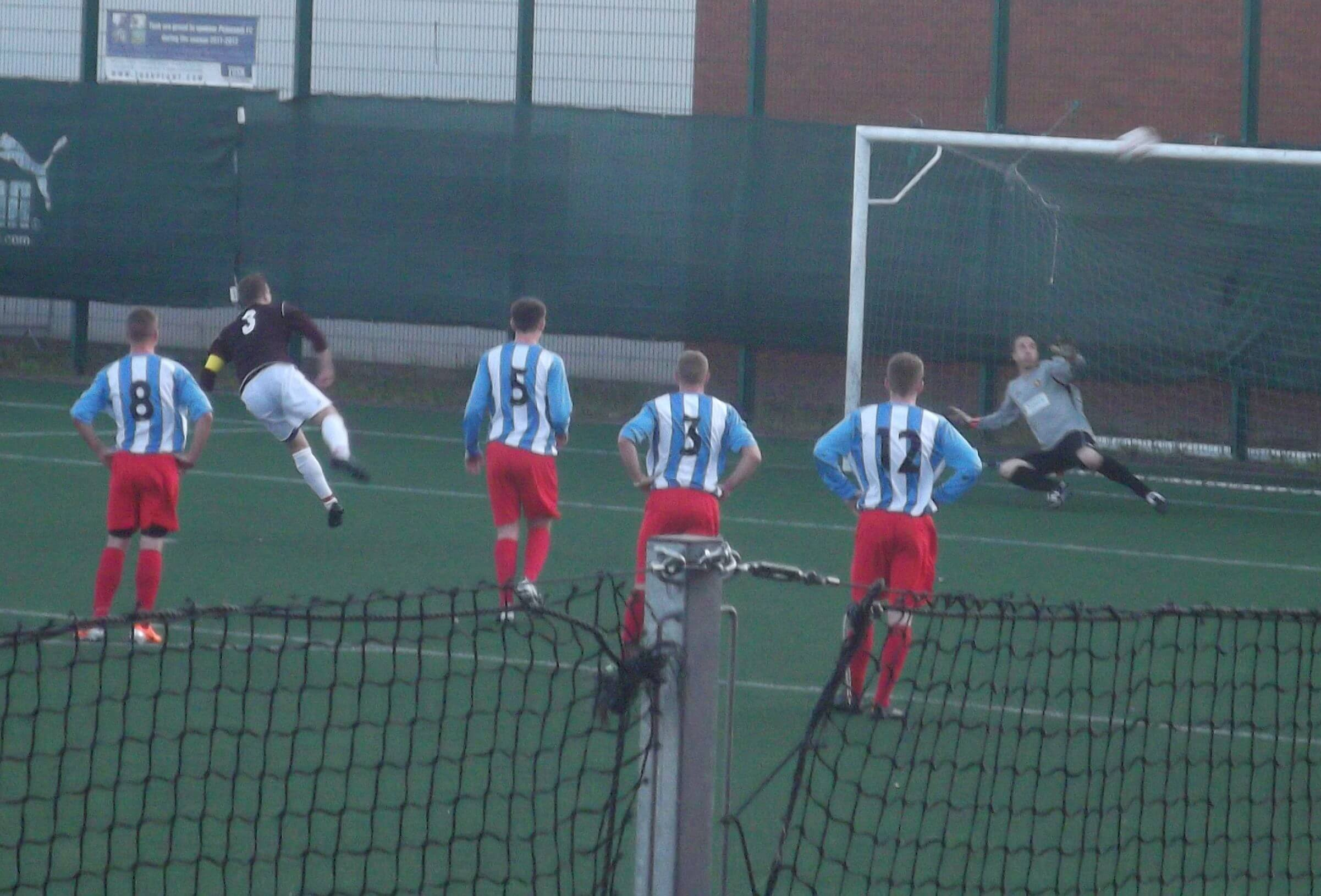 Petershill v Larkhall Thistle 1 - penalty 1