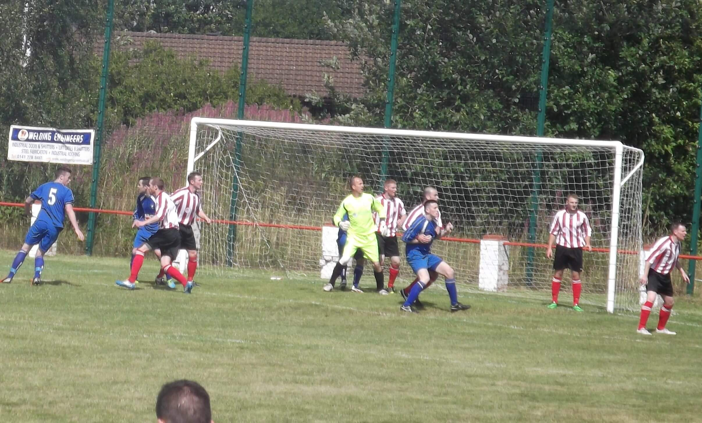 Thistle defend a first half corner