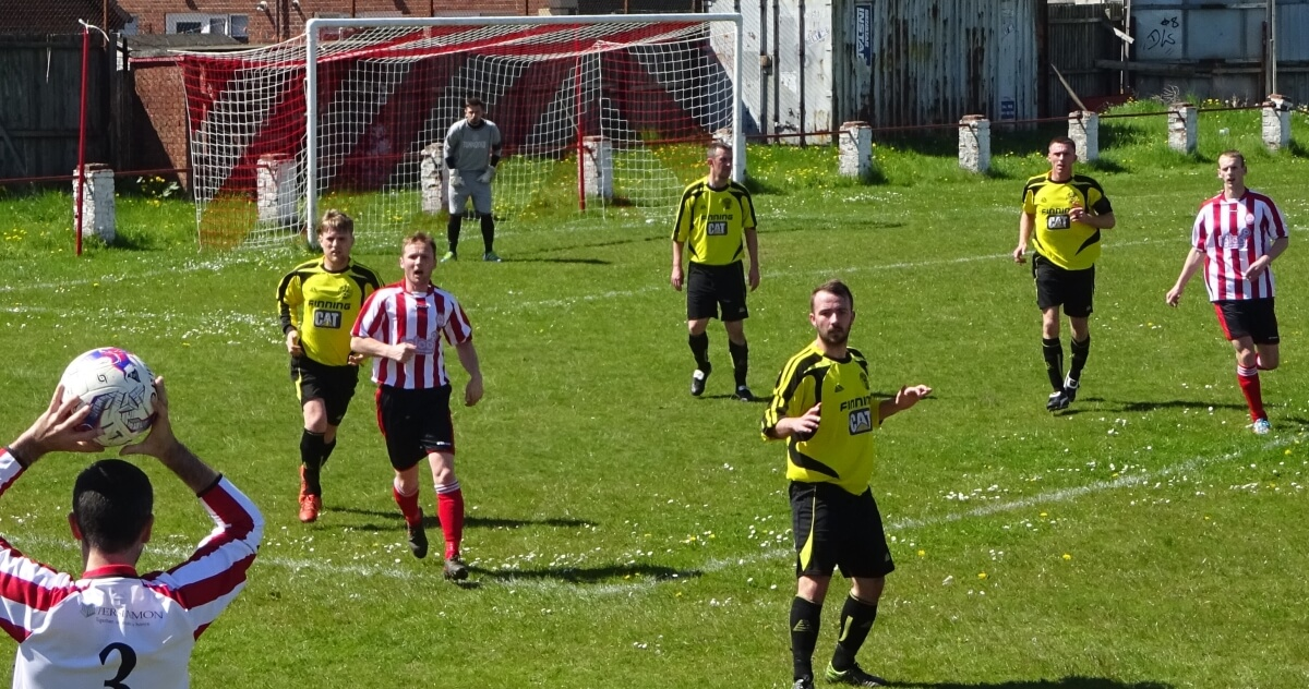 Larkhall Thistle 1 Thorniewood United 0 - 3