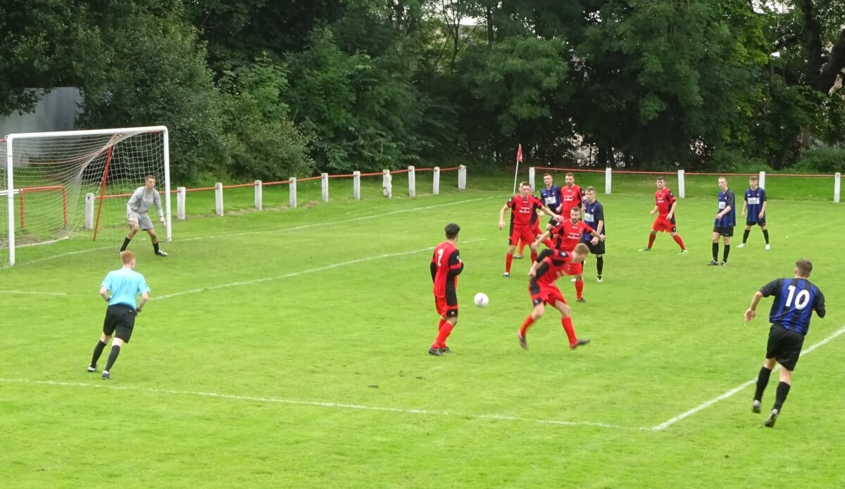 Thorniewood United v Larkhall Thistle 4